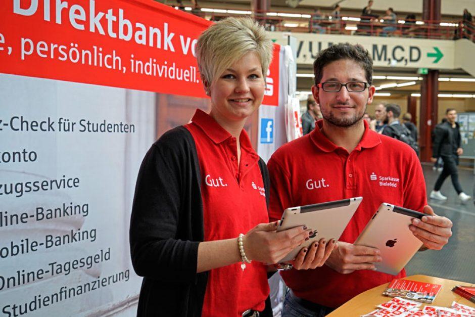 Sparkassen-Team in der Universität Bielefeld
