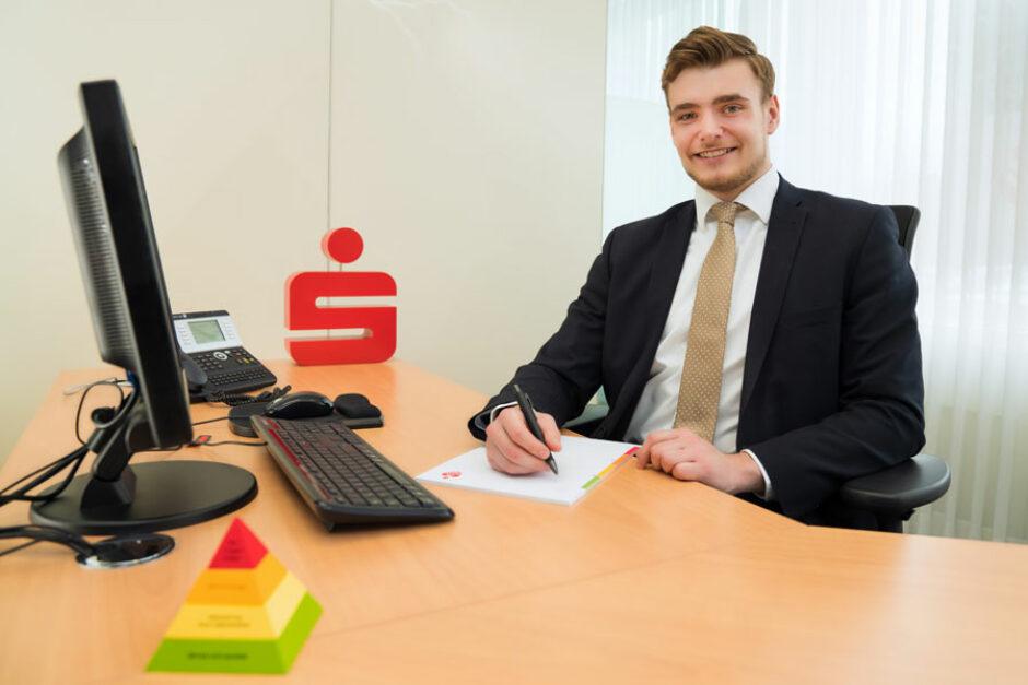 Florian Schürmann: Bankkaufmann bei der Sparkasse Bielefeld