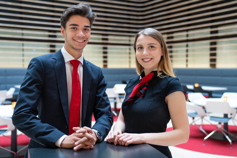 Vier Wochen bei der Sparkasse Bielefeld - Leon Rustemovski und Carlotta Geermann