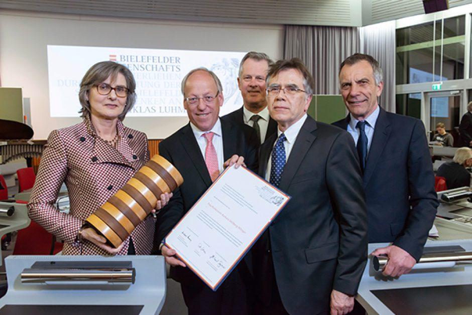 Bielefelder Wissenschaftspreis 2018 geht an die Historikerin und Autorin Barbara Stollberg-Rilinger