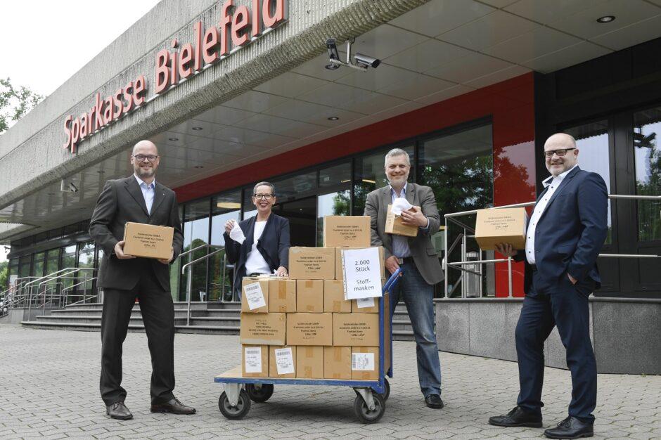 2.000 Masken für die Corona-Hilfe in Bielefeld