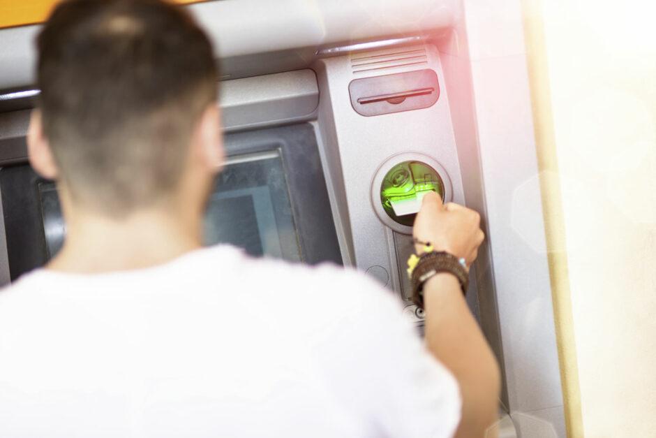 Die Sparkasse Bielefeld schließt 13 weitere SB-Foyers in den Nachtstunden