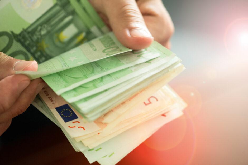 Nachweispflicht bei Bareinzahlungen ab 10.000 Euro